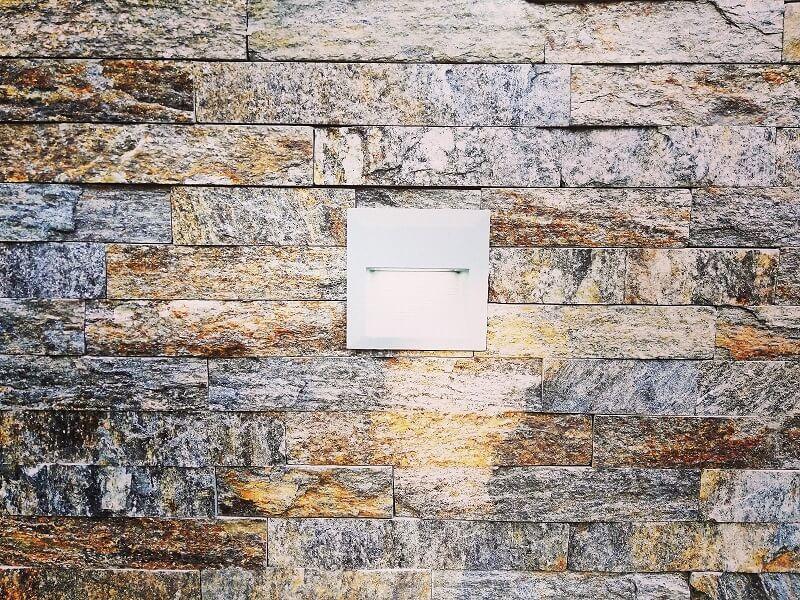 Bakarni prirodni kamen