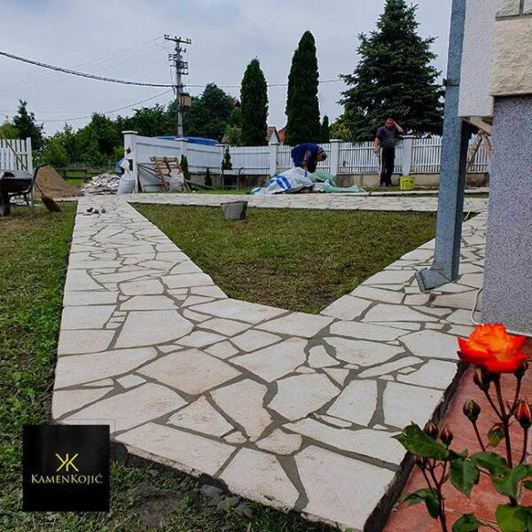 Beli lomljeni kamen za staze