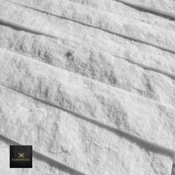 beli sečeni kamen stanglica