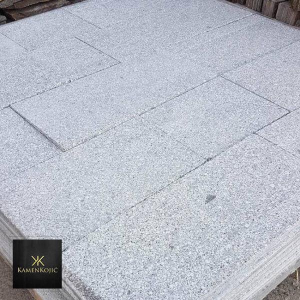 granit sečeni kamen za dvorište