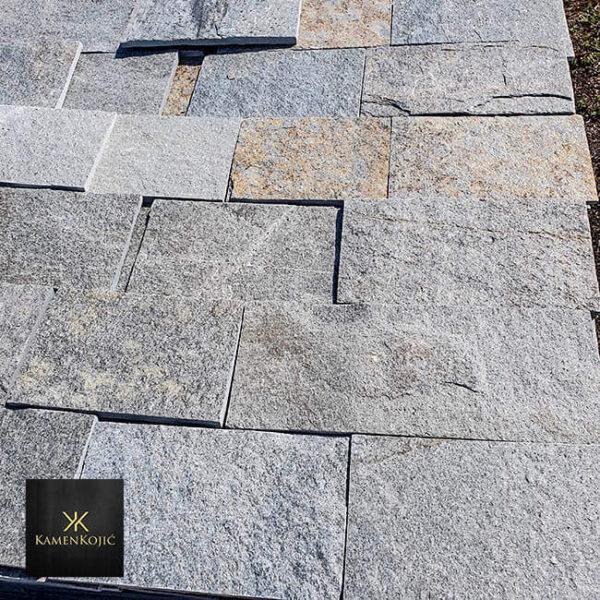 sivi sečeni kamen za baštu