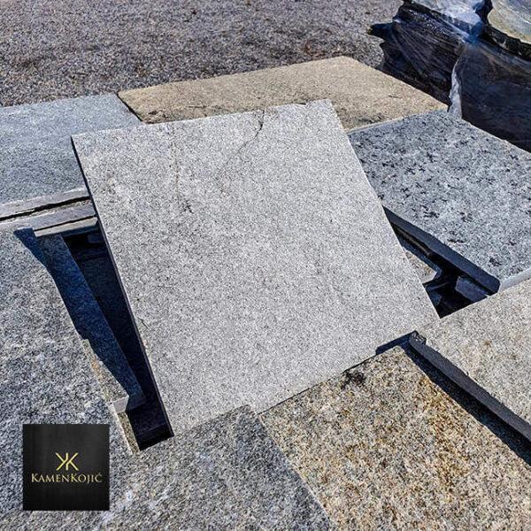 sivi sečeni kamen za kucu