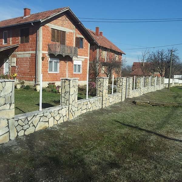 lomljeni kamen za ograde