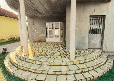Prirodni kamen sečeni za stepenice