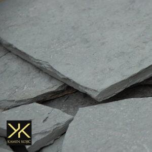 lomljeni kamen sivi struganik