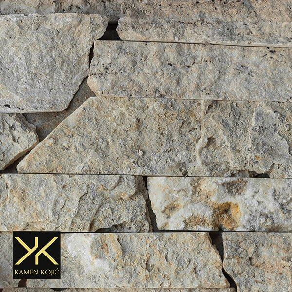 kamen suvi zid travertin